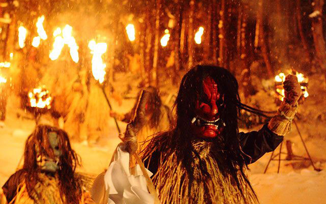 Namahage Descending from the mountain
